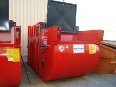 BE008194 11 400x300 - Presscontainer und Container zum vermieten und verkaufen