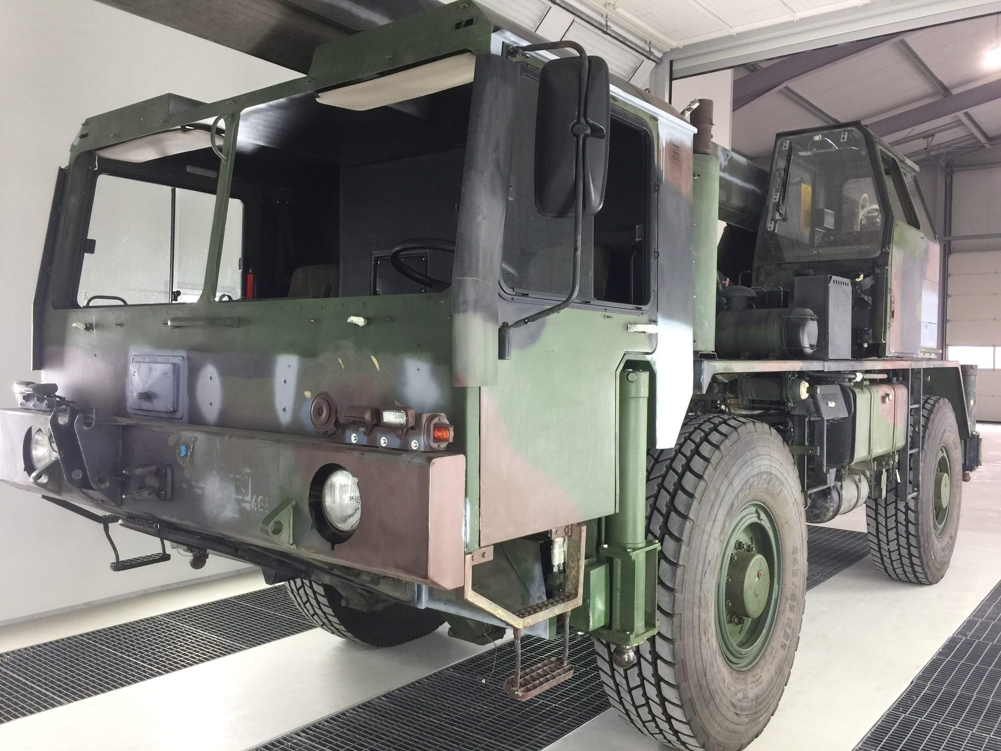 IMG 2531 - Bundeswehr - Lackieren eines Kranwagens