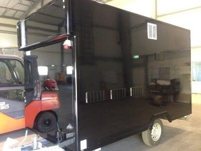 IMG 1706 400x300 - Lackieren eines Verkaufswagens