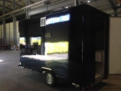 IMG 1707 400x300 - Lackieren eines Verkaufswagens