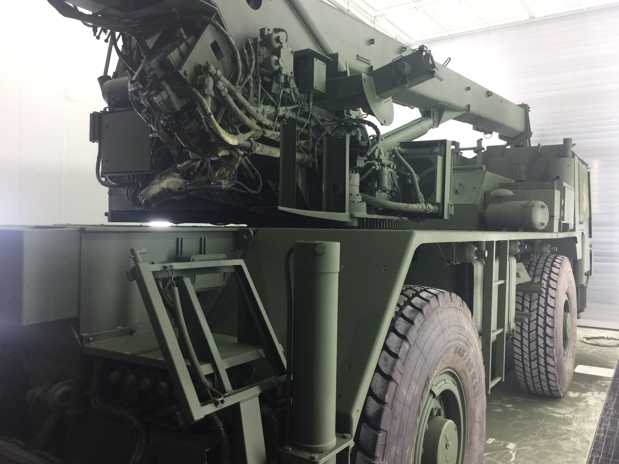 IMG 2555 - Bundeswehr - Lackieren eines Kranwagens