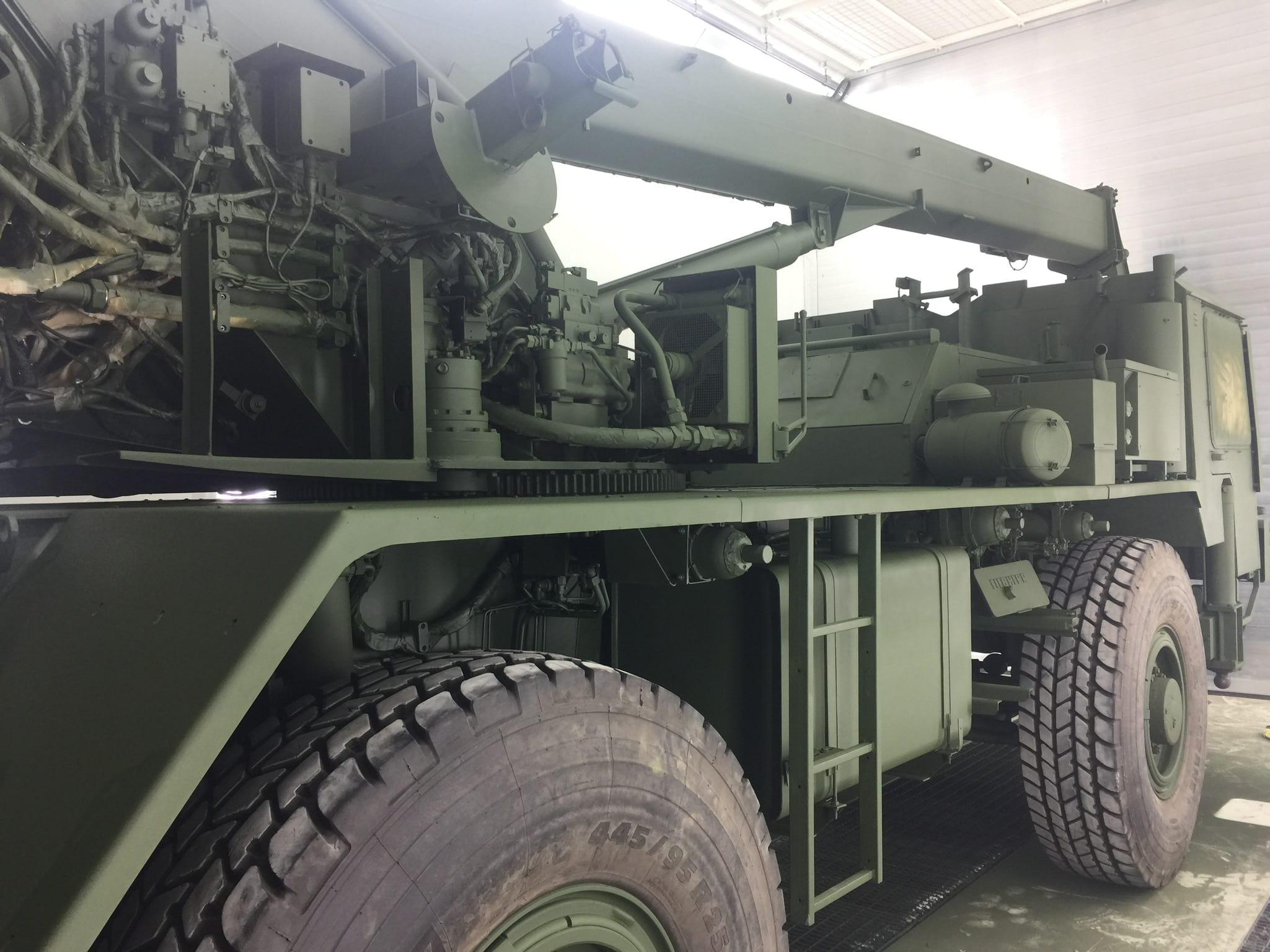 IMG 2556 - Bundeswehr - Lackieren eines Kranwagens