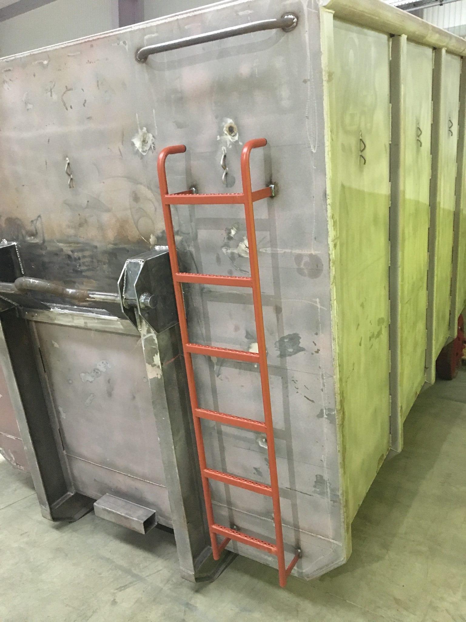 Stegleiter - Presscontainer und Container zum mieten oder kaufen