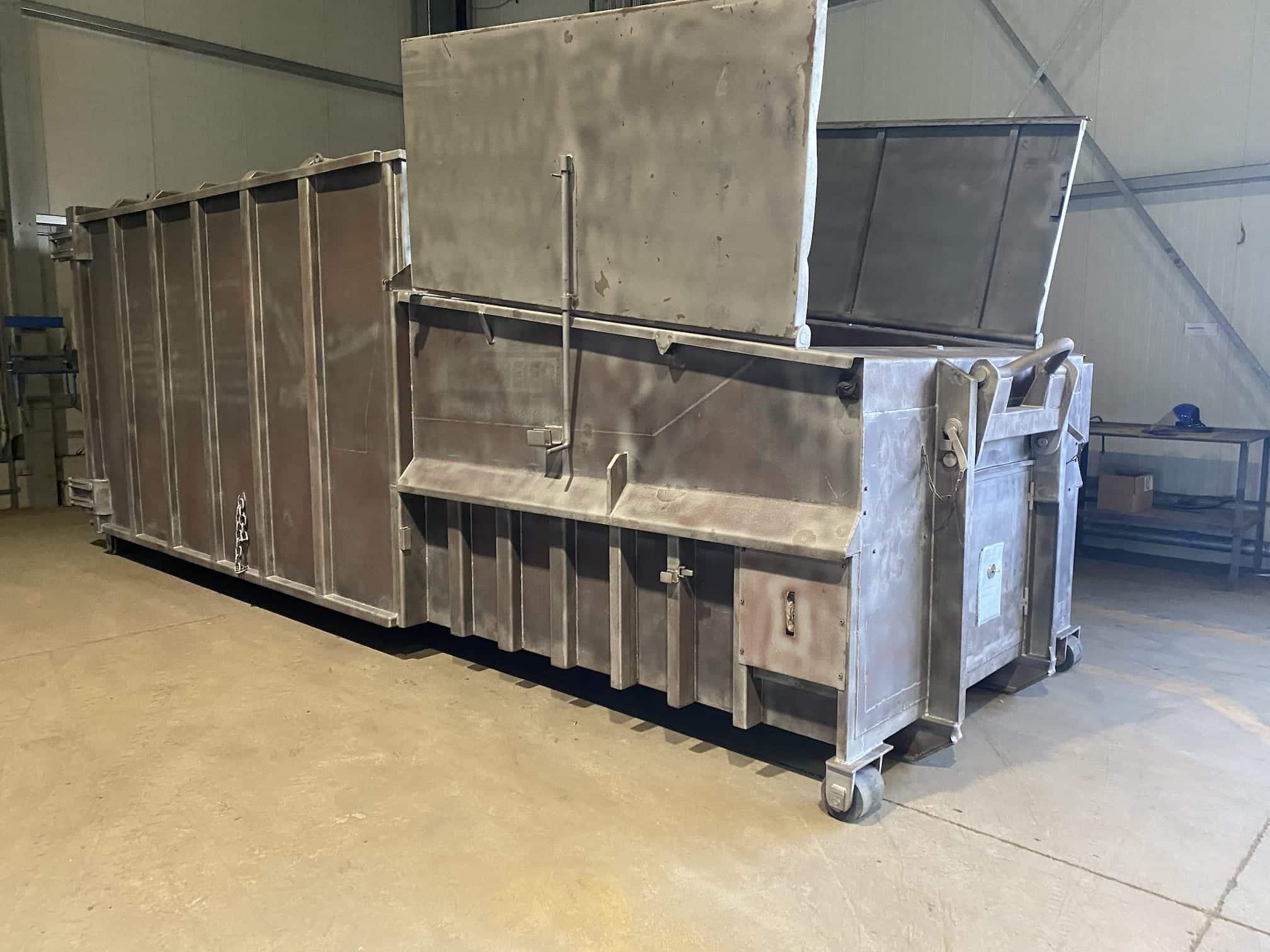 gestrahlter Presscontainer 2 - Sandstrahlen von Presscontainern, Silos, Wechselbrücken und Stahlbauteilen
