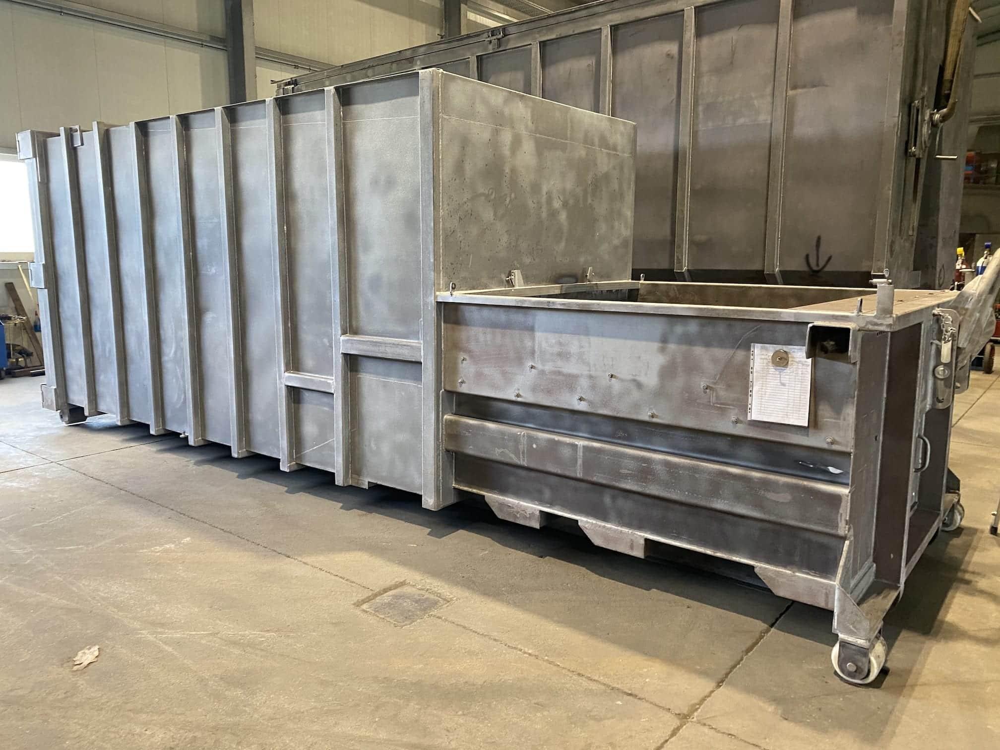 gestrahlter Presscontainer - Sandstrahlen von Presscontainern, Silos, Wechselbrücken und Stahlbauteilen